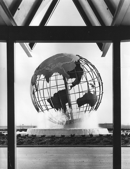 The Globe at the LW entrance, 1967